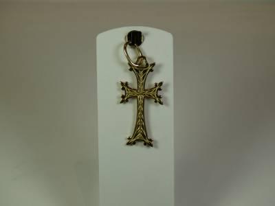 Croix Arm�nienne en or jaune 18 carats, recto verso.